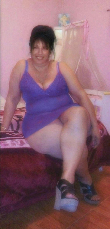 femme avec petit sein