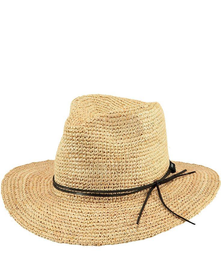 De Celery Hat van Barts is een echte summer musthave. De hoed is uitgevoerd in stro en perfect om op het strand te dragen. (€59,99) #Celery #Hat #Hoeden #caps #Barts
