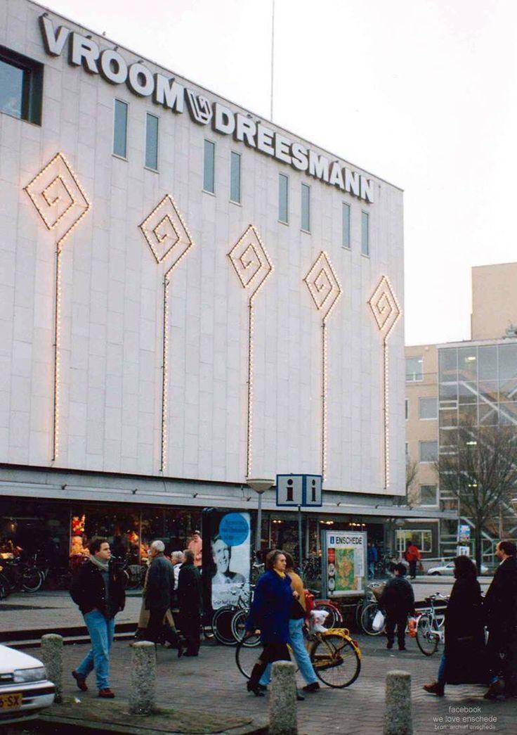 Going V&D Vroom en Dreesman? You had to cross the boulevard! #Enschede