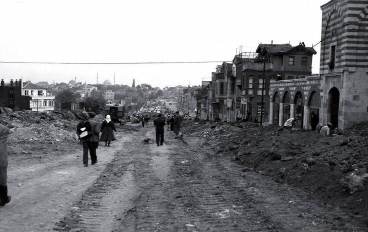 Edirnekapı Fevzipaşa Caddesi düzenlenmesi. / 1957-58