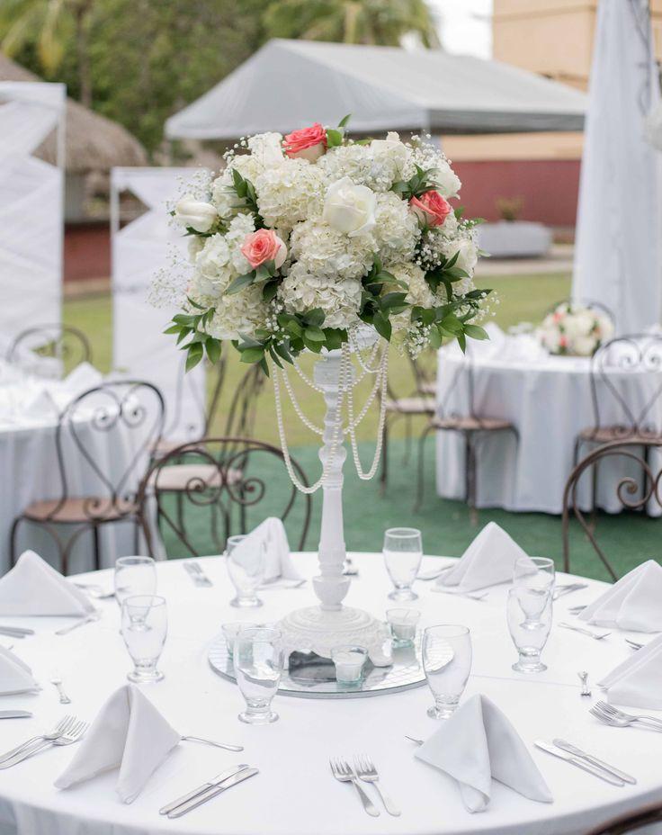 Wedding RACHA #floristeriaracha #decoración #flores #rosas #hortensias #wedding