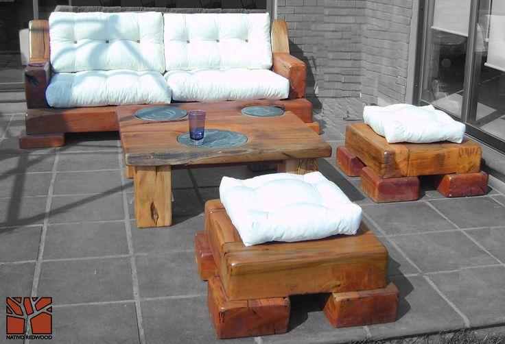 """Nativo Red Wood. Mesa de centro linea """"Line Wood"""" con cubierta de madera de Roble Rústico de 3'' de espesor con platos de fierro centrales. Dimensiones: 1.00x1.20 www.facebook.com/nativoredwoodsa"""