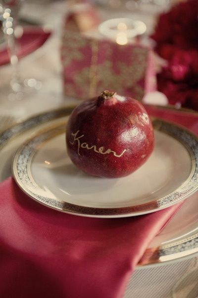 Escort card pomegranate | Ispirazione verde menta e rosso melograno | Mint and pomegranate | http://theproposalwedding.blogspot.it/