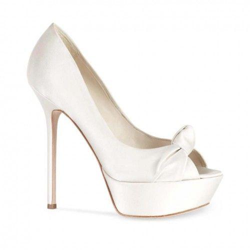 Zapatos de novia estilo peeptoe - Foto Sergio Rossi