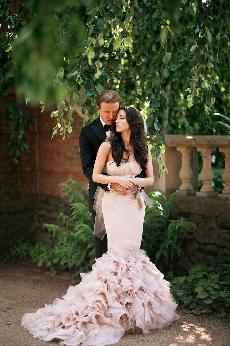 Lovely Black Tie Botanic Garden Wedding