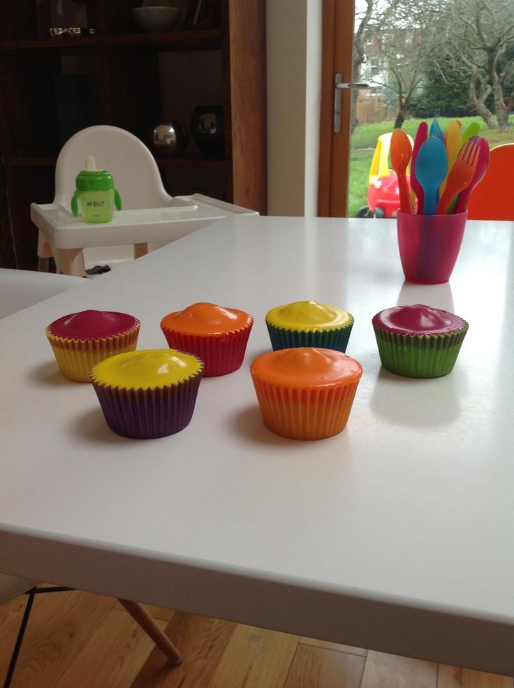 Neon cupcakes + rainbow cases