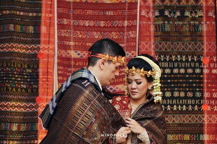 Sudah saling mengenal selama 15 tahun, akhirnya Felicia dan Priyanka memutuskan untuk ke jenjang pernikahan! Yuk simak pernikahan di Grand Sahid Jaya ini!