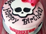 Monster High cake for a 6 years old girl! She loved it! Me too!