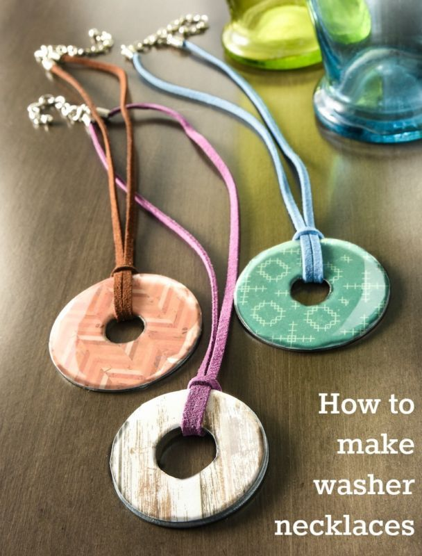 Learn how to make Mod Podge washer necklaces - these are so easy and only use a few materials. Great for both adults and then kids for craft camp!