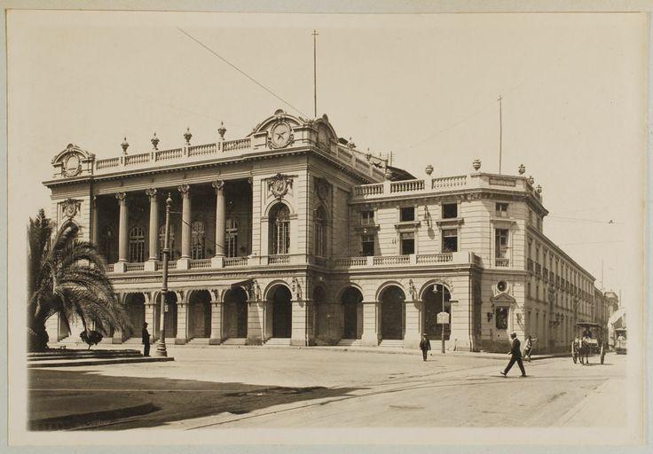 El Teatro Municipal fotografiado a principios del siglo veinte por el canadiense Obder Heffer.