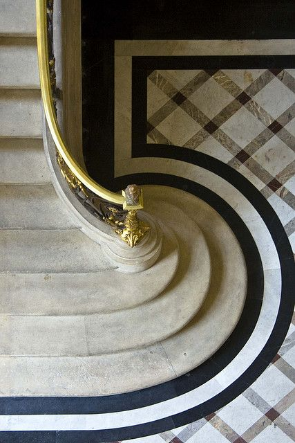 Art Deco Stairway with a 5 on the floor. Cool huh?!