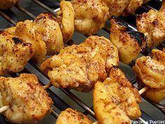 Brochettes de blancs de poulet marinés - Shish taouk - cuisine libanaise - TESTÉ OK