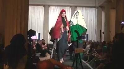 "Performing Indonesia, acara tahunan KBRI dan Lembaga Smithsonian di Washington DC, tahun ini bertema ""Islamic Intersections"", dengan menghadirkan peragaan busana muslim karya Meeta Fauzan dan Helen Dewi Kirana sebagai salah satu mata acara.   Simak di YouTube: https://youtu.be/_9IlvYxpLcU"