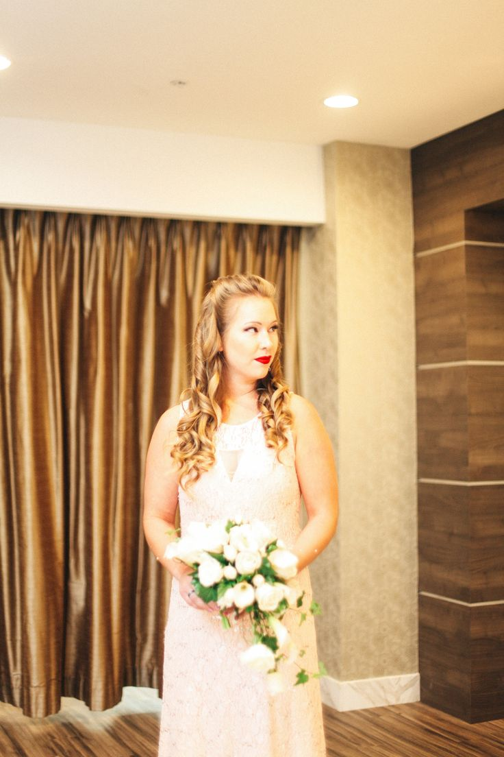 Gorgeous White And Neutral Wedding At The Grand Sierra Resort In Reno Nevada Photography