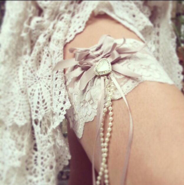 Garters .... To suit your style Of a day