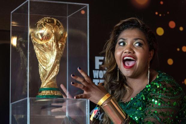 El trofeo del Mundial Brasil2014 empezó a dar la vuelta al mundo, se estima que llegará a Chile en Febrero 2014