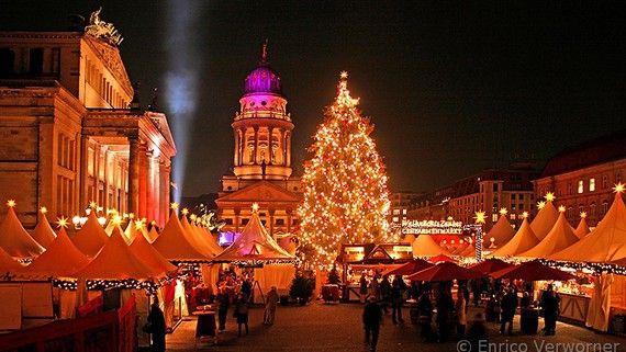 Weihnachtsmarkt am Gendarmenmarkt - Weihnachten in Berlin