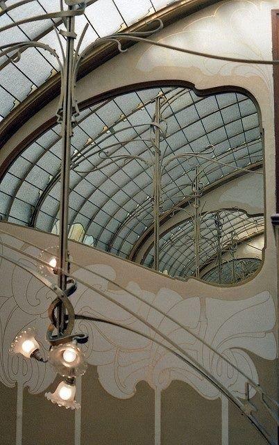 Hortas Art Nouveau lighting inspiration