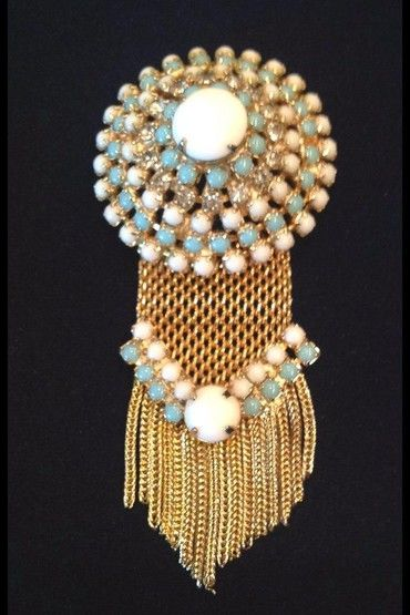 Винтажная брошь. Металл, стекло. Марка: Hobe, Америка, 1950-е гг. #vintage #jewellery #jewelry #trendy #style #chic #women #gift