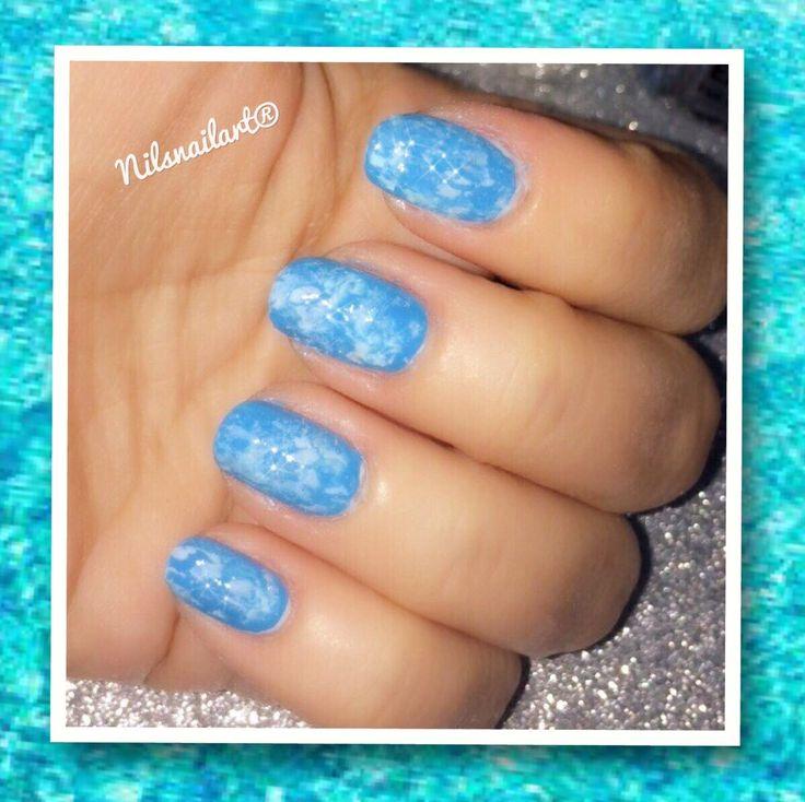 Pool effect water nails nail art