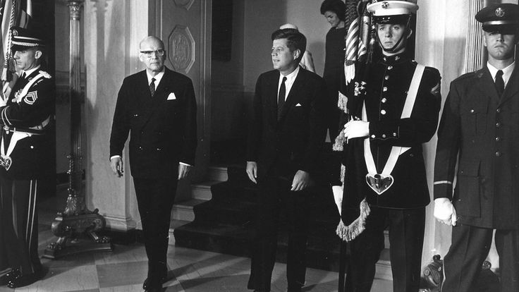 US President John F. Kennedy and President of Finland Urho Kekkonen, Kekkonen in the US during the visit to the White House in October 1961. The back of Presidents Mrs. Sylvi Kekkonen and Mrs. Jacqueline Kennedy. Copyright: Lehtikuva.