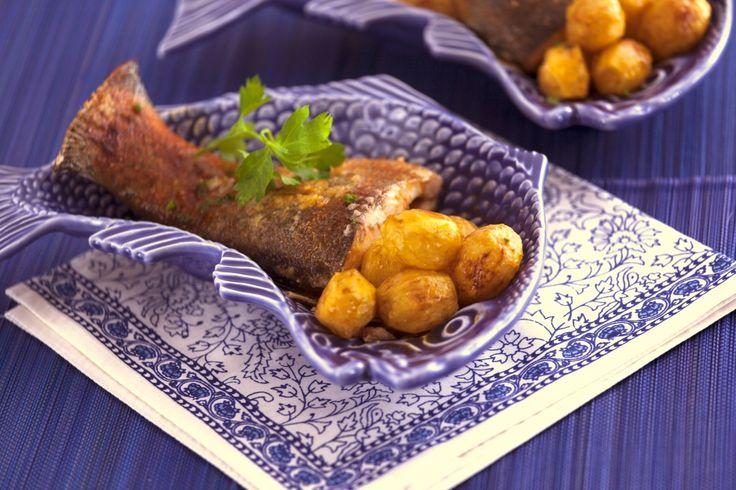 Receita de Truta salmonada no forno. Descubra como cozinhar Truta salmonada no forno de maneira prática e deliciosa com a Teleculinaria!