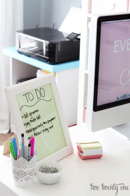 Desktop dry erase board