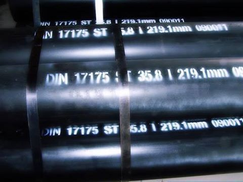 Carbon Steel Seamless steel pipes are used widely in the sector of engineering and construction.