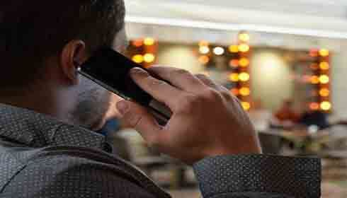 Cellphones could cause brain tumors: Experts