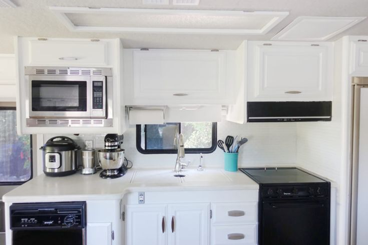 RV Renovation: Painting RV Cabinets & Updating Cabinet Hardware ...