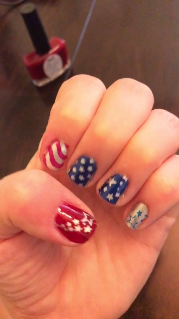 Diy Stars Amp Stripes Nail Art Tutorial Video In 2019 Nail Art Stripes Diy Nails Nail Art Videos