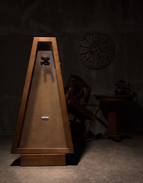 Bentivoglio Sum Cabinet SW300 Guitar Display Case Walnut Humidity Tempered Glass #Bentivoglio