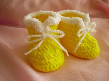 Handmade crochet newborn baby shoes 0-6 months only US$8.98 with free delivery worldwide.