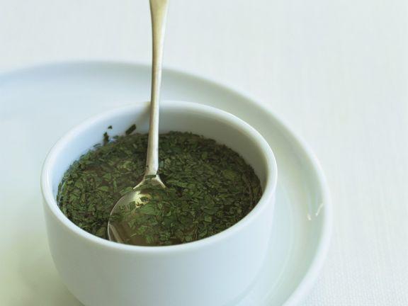 Minzsauce ist ein Rezept mit frischen Zutaten aus der Kategorie Klassische Sauce. Probieren Sie dieses und weitere Rezepte von EAT SMARTER!