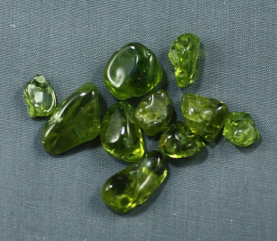 the gem quality olivine peridot my birthstone 2018/07/17  august's primary birthstone is peridot, a light lime to deep olive green gemstone that symbolizes good fortune peridot is born out of olivine, a common mineral sourced from volcanoes if you're looking for a gift for a green.