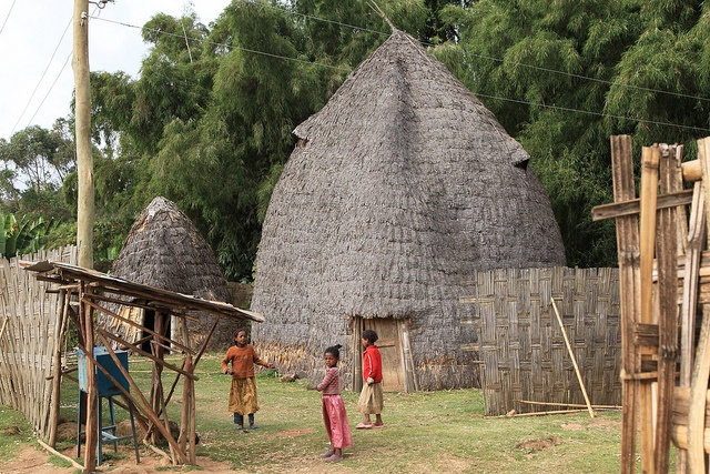 The Dorze people are famous for their huge huts, resembling a giant beehive. Most attain a height of some twelve meters giving a sense of spaciousness inside. Each hut is cleverly constructed using hardwood poles, woven bamboo and enset or false-bana   Click on the pic above for more details.  http://www.ethnicbeautysupplies.com