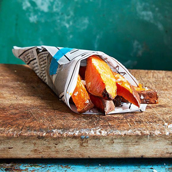 Chips, burgare, pommes eller soppa? Det finns så mycket du kan göra med sötpotatis. Här tipsar vi om tio ohemult smarriga recept.