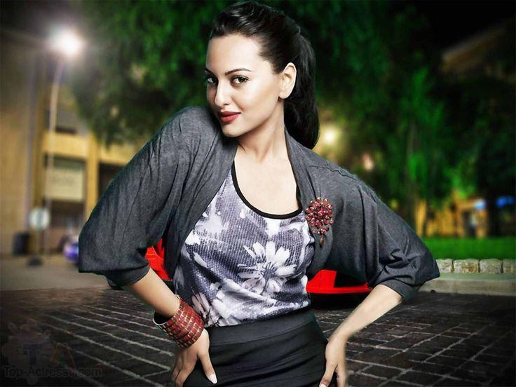 Bollywood heroine Sonakshi Sinha fabulous image