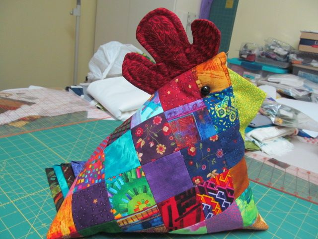 62 best Pincushions Chickens images on Pinterest | Roosters, Hens ... : quilted pincushion patterns - Adamdwight.com