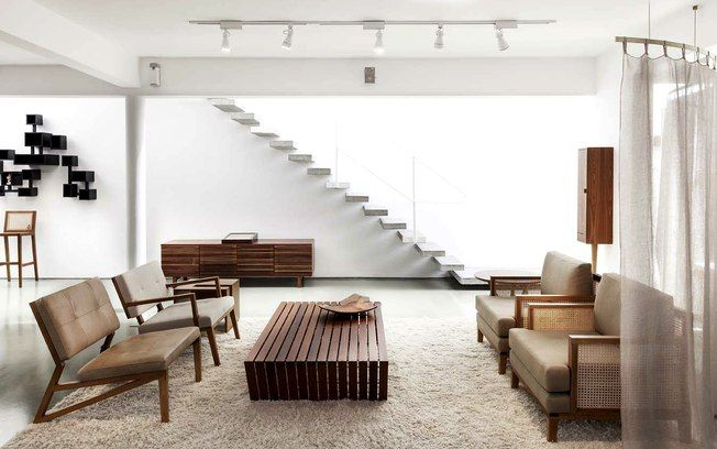 Da madeira bruta à arte em mobiliário: conheça o trabalho de Juliana Llussá - Arquitetura - iG