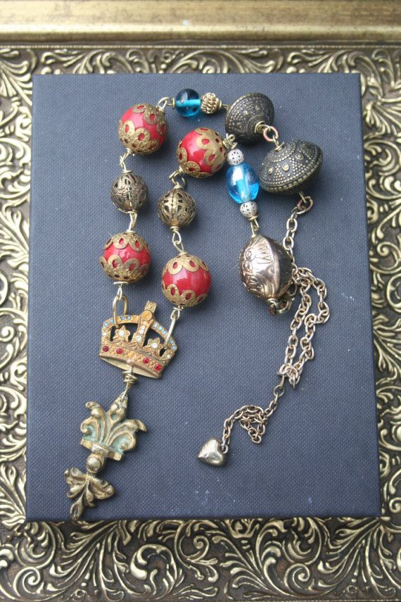 Crown Assemblage necklace Imperial Qrown jewelry Gold