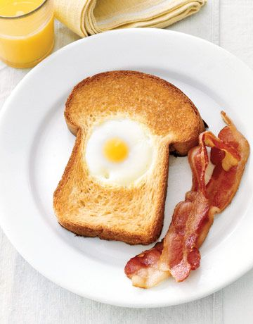Have breakfast for dinner with this easy Egg-in-the-Hole recipe. Pair with bacon or roasted tomatoes for extra flavor. #dinnerideas