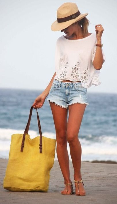 Cute outfit if you're spending the day out and will doing more than just the beach.