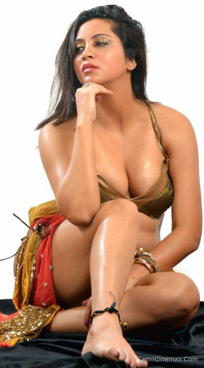 Indian busty nude-9466