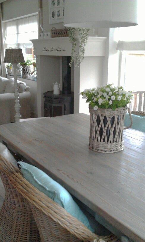 Dining..country with mint, white & grey ratan...by Tamara Jonker landelijk wonen