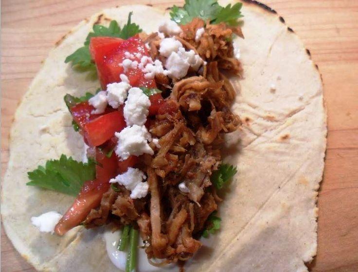 Preparación de tacos mexicanos: Tacos al pastor http://www.e-recetas.com/recetario/tradicionales/cocina-mexicana-tradicionales/preparacion-de-tacos-mexicanos-tacos-al-pastor.htm