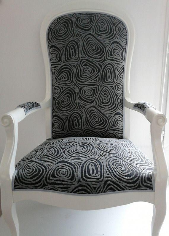 exceptionnel fauteuil voltaire relooke moderne 10 voltaire vendu mme j. Black Bedroom Furniture Sets. Home Design Ideas
