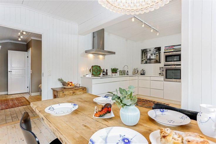 FINN – Berg / Tåsen - Vakkert, stort og klassisk hus. Solrik og skjermet hage. Kjeller har egen inngang med mulighet for å leie ut del av egen bolig.