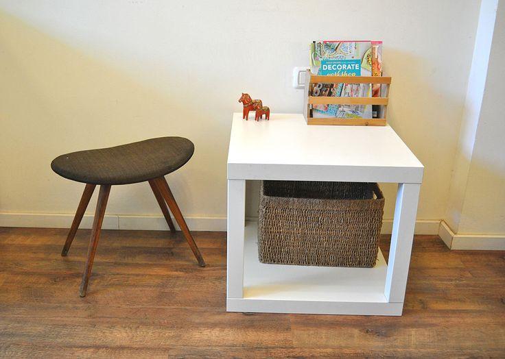שולחן בצורת קובייה, המורכב משני שולחנות לאק . ניתן לשלב בין פלטות של שולחנות בצבעים שונים וגם להרכיב לשולחן רגליים בשני צבעים שונים ( צילום: דפי לויאב גופר  )