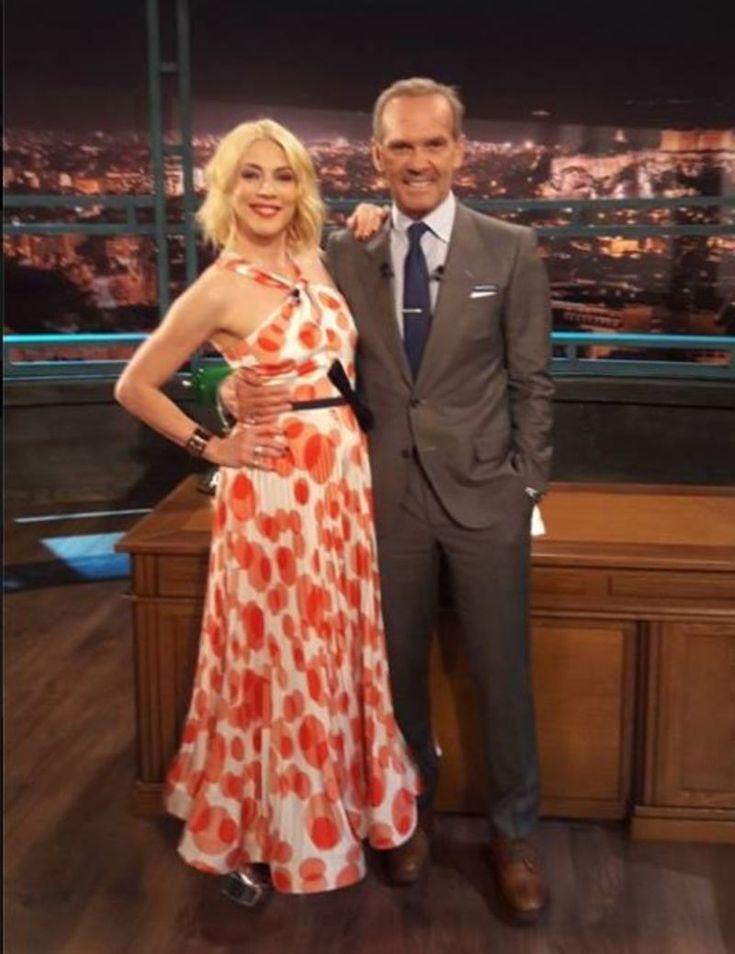 Η Σμαράγδα Καρύδη με το ωραιότερο πουά φόρεμα των Mi-Ro που είχαμε δει και στην επίδειξή τους στο Madwalk. 12 οικονομικές ιδέες για να το φορέσεις κι εσύ.